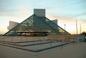 Rock-and-roll-hall-of-fame-sunset1